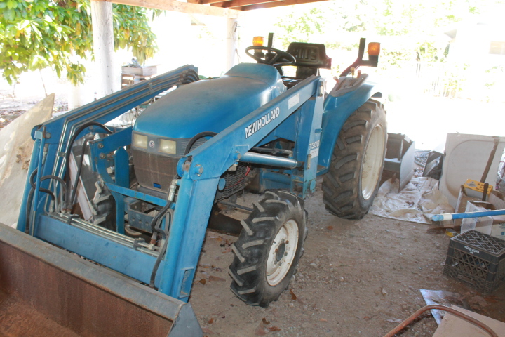 New Holland Tractor, runs great